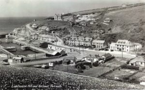 old-lighthouse-hill-and-harbour https://www.facebook.com/oldportreath